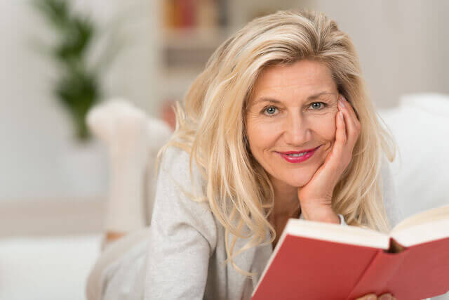 Odstránenie okuliarov na čítanie